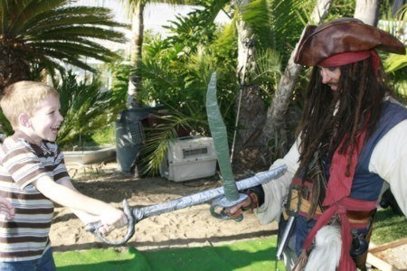 Johnny Depp impersonator appearing as a parody of as Jack Sparrow